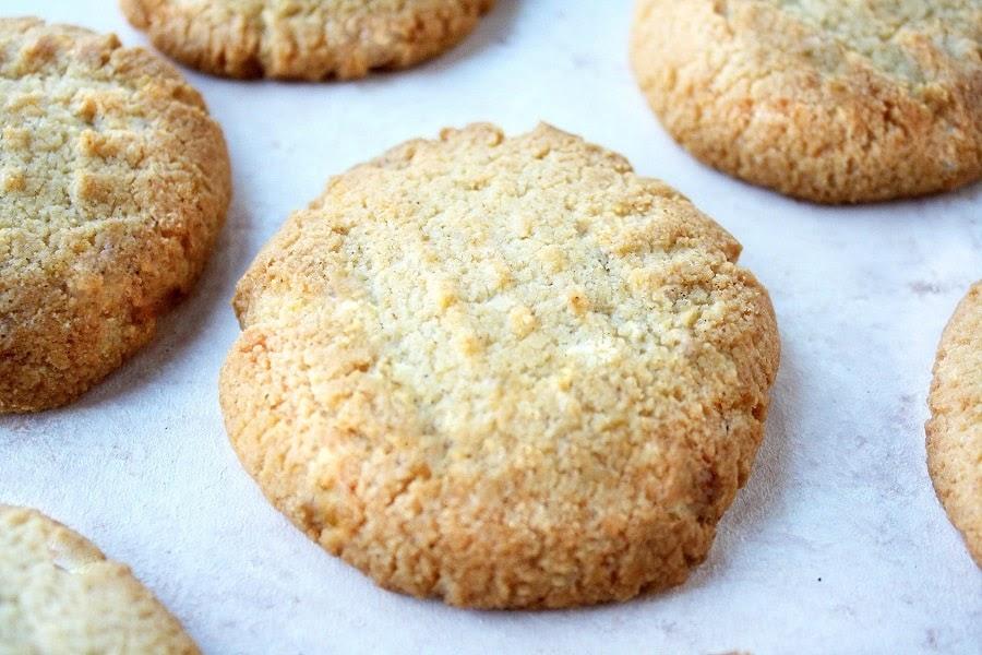 Receta de galletas de jengibre bajas en carbohidratos