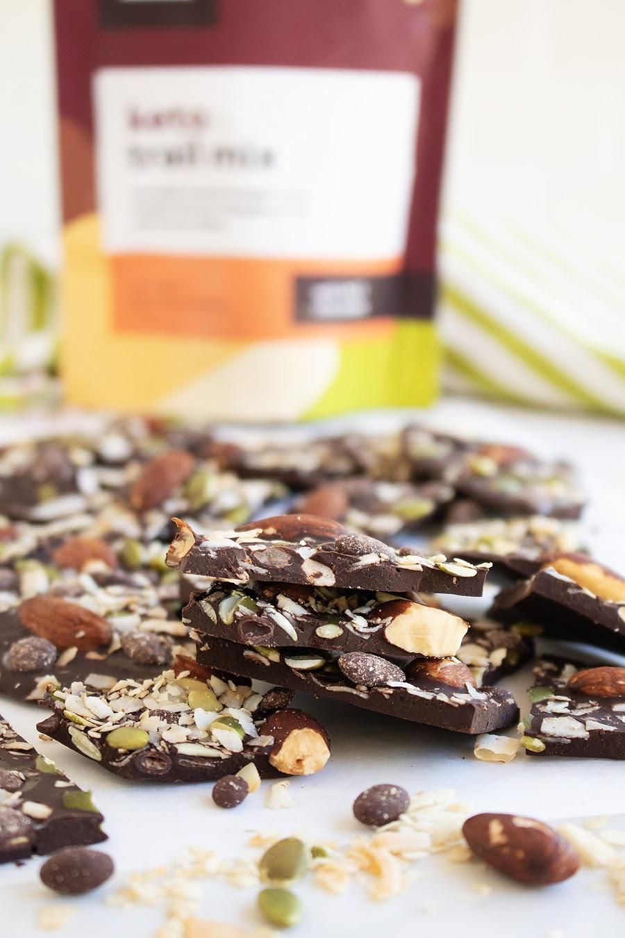 Receta de corteza de chocolate negro con mezcla de frutos secos